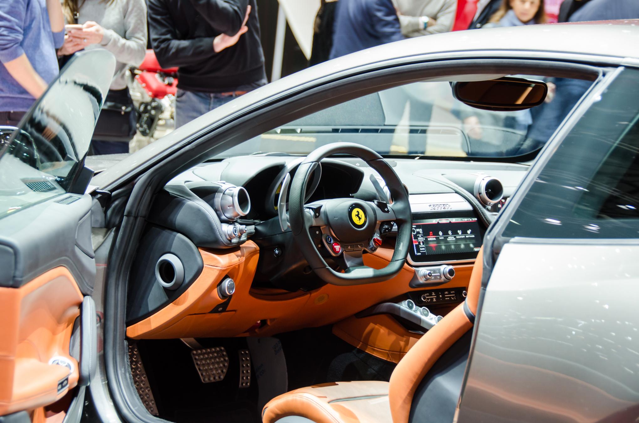 2017 Ferrari Gtc4lusso Gains Power Interior Upgrades Over Ff