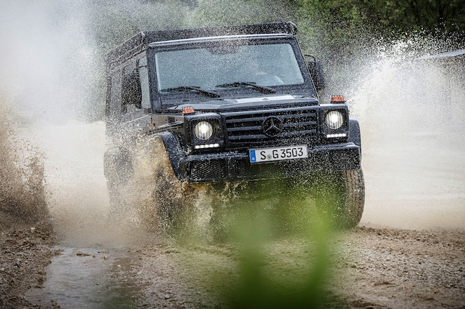 Mercedes Benz G350 d Professional front end in water