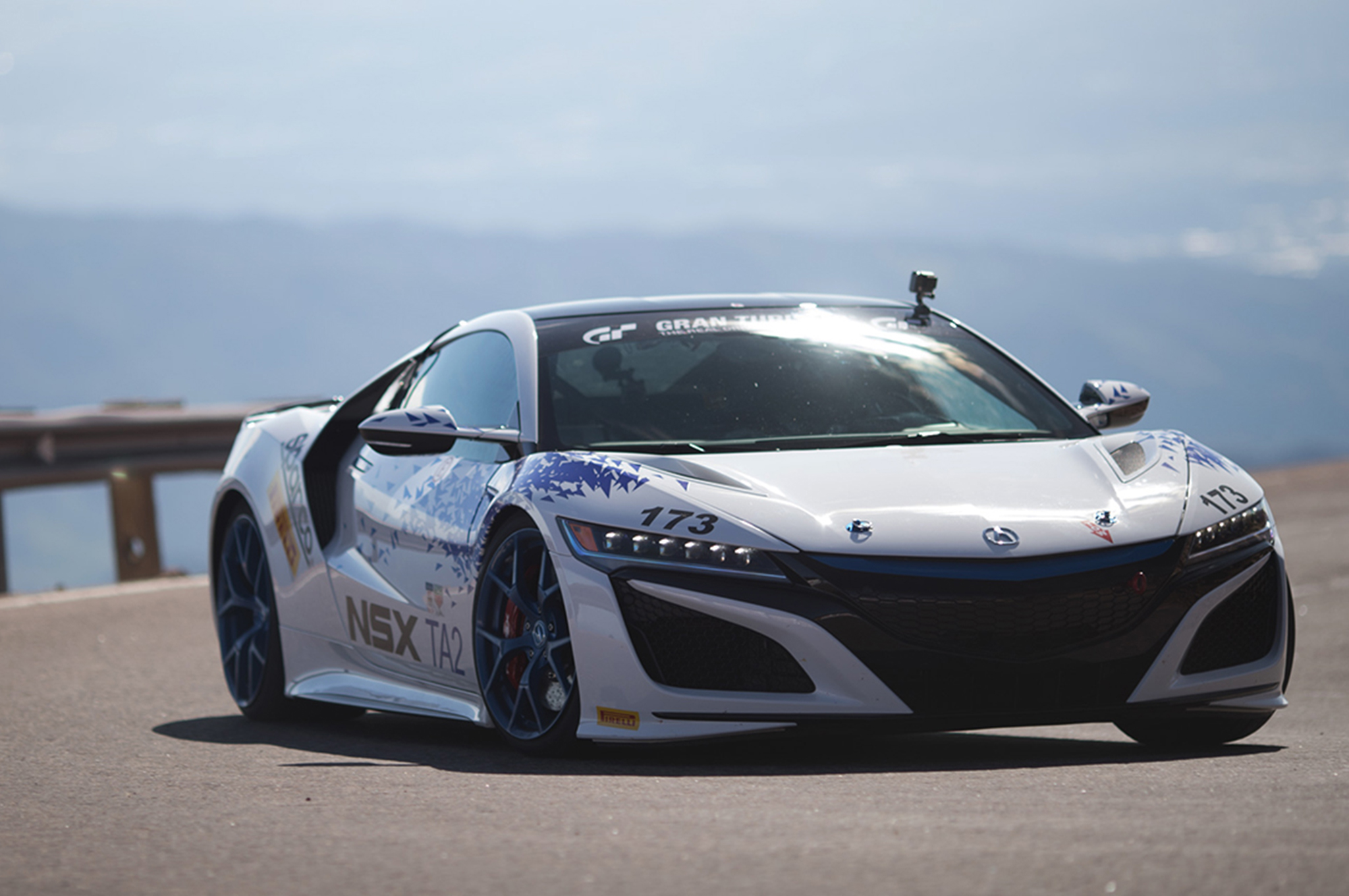 Pikes Peak Hill Climb 2017 >> 2017 Acura Nsx Wins Time Attack 2 Class At Pikes Peak