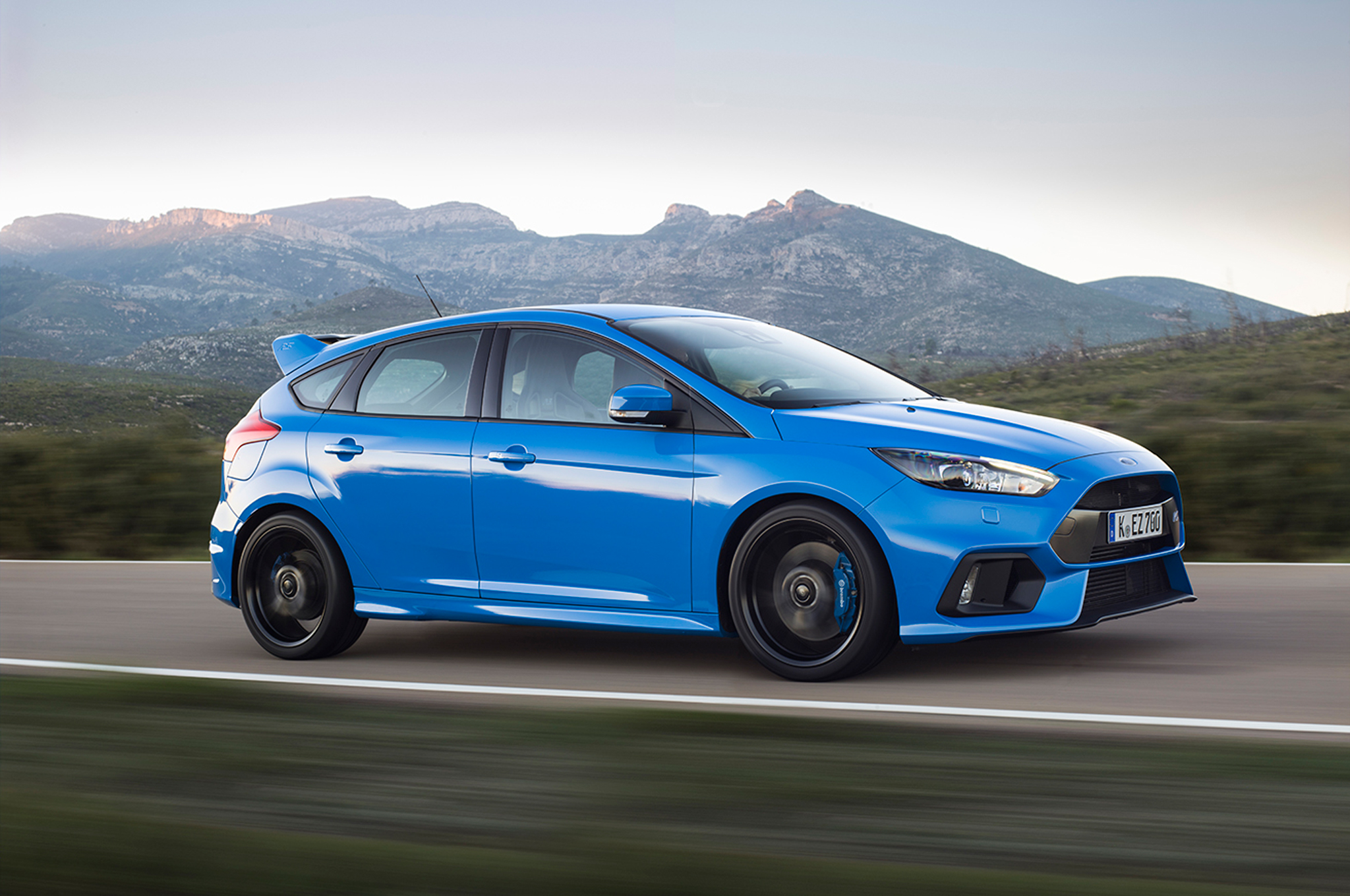 Focus Rs Hp >> Ford To Offer Free Performance Driving Lessons To Focus Rs Buyers