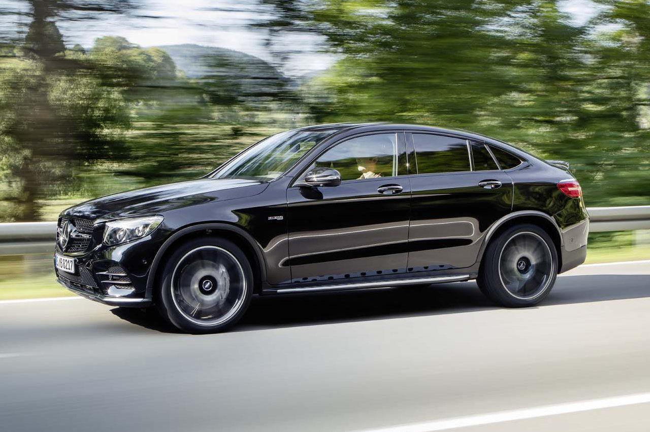 2017 Mercedes AMG GLC43 coupe side in motion 02
