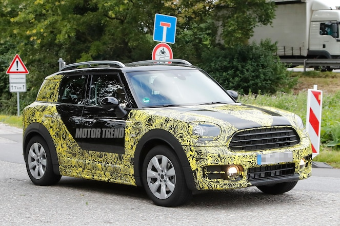 Mini Countryman protoype front three quarters 1