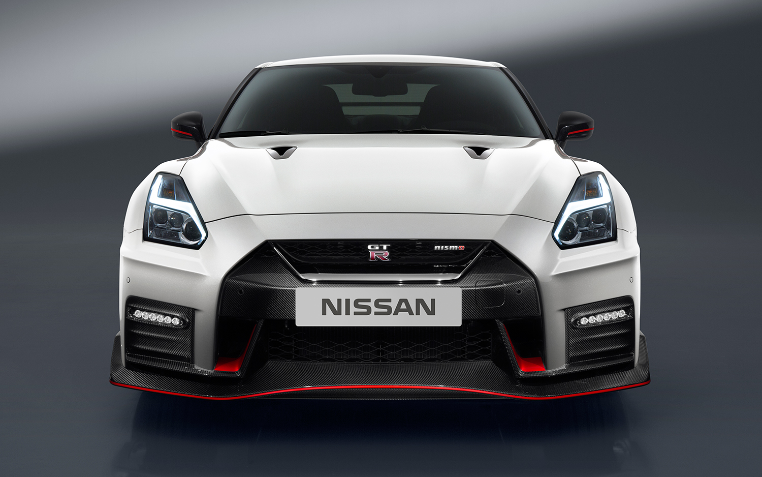 Nissan Gtr 2017 Price >> 2017 Nissan Gt R Nismo Price Jumps 25 000 To 176 585