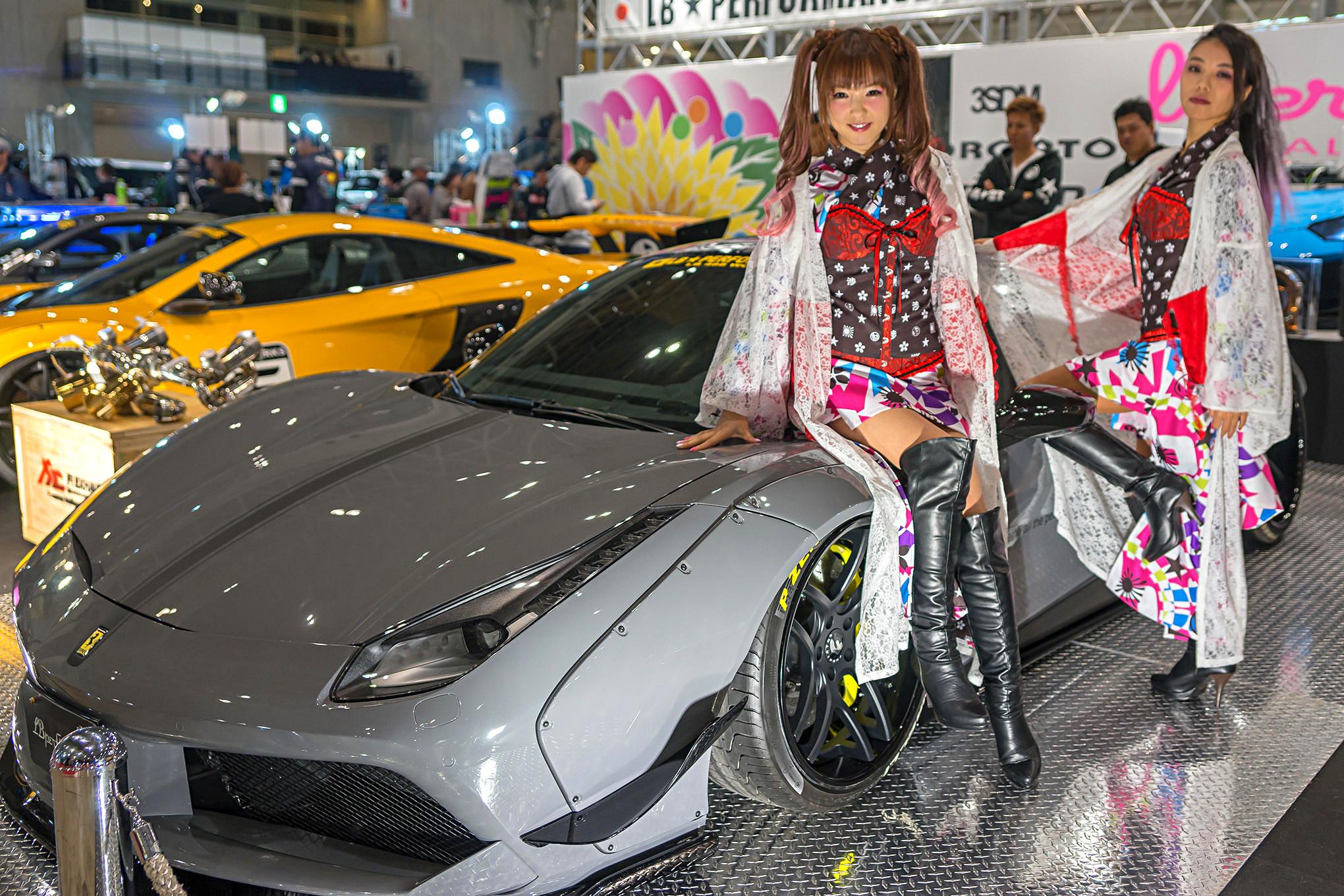 Girls of Tokyo Auto Salon 2017