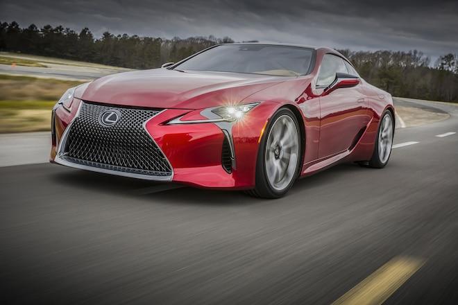 2018 Lexus LC 500 front three quarter in motion 02