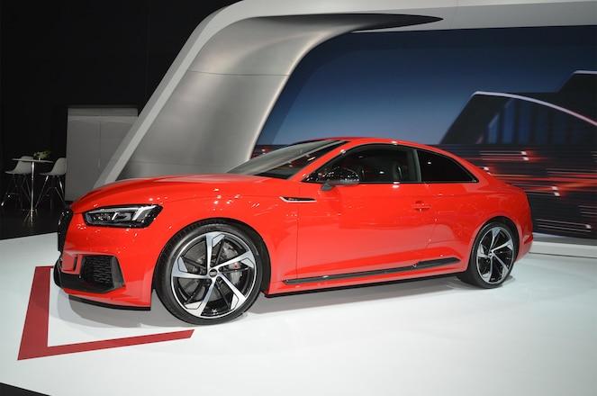 2018 Audi RS 5 front three quarter 03