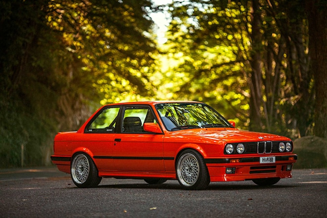 1991 BMW 318Is Passenger Side Front View
