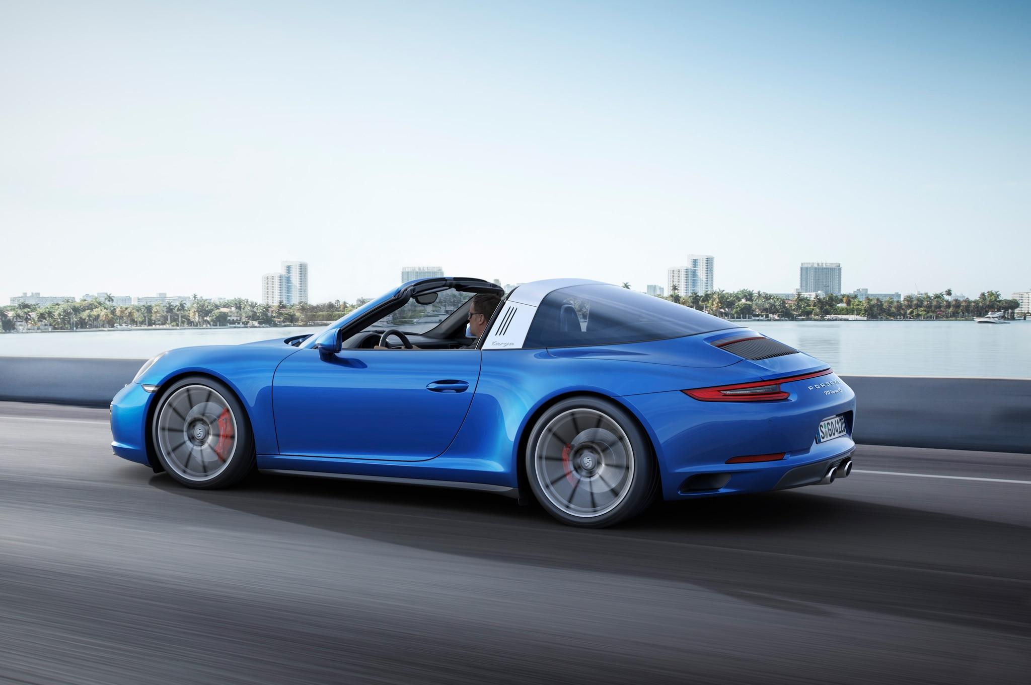 Porsche 911 Carrera 4 Engine