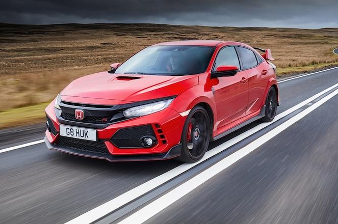 2018 Honda Civic Type R front three quarter in motion 01