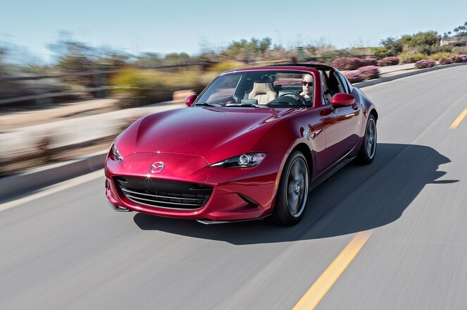 2018 Mazda MX 5 Miata RF front three quarter in motion 01