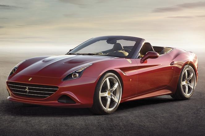 2015-Ferrari-California-T-front-three-quarters-view