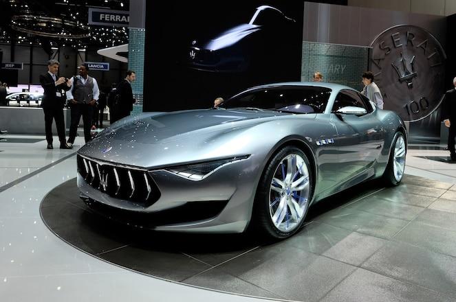 Maserati-Alfieri-Concept-show-floor-front-side-view2