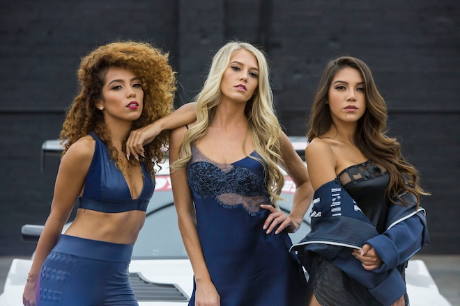 Alyshia Barragan, Stacey Hash, Laura Howard – Toyo Tires x SS 2018 Calendar
