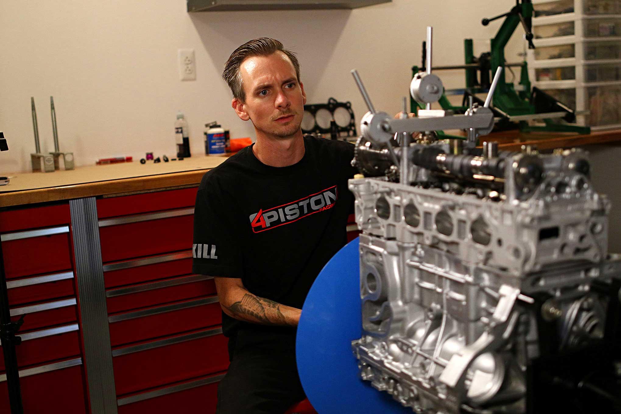 4 Piston Racing Builds a Streetable 1,000HP Honda K Series!