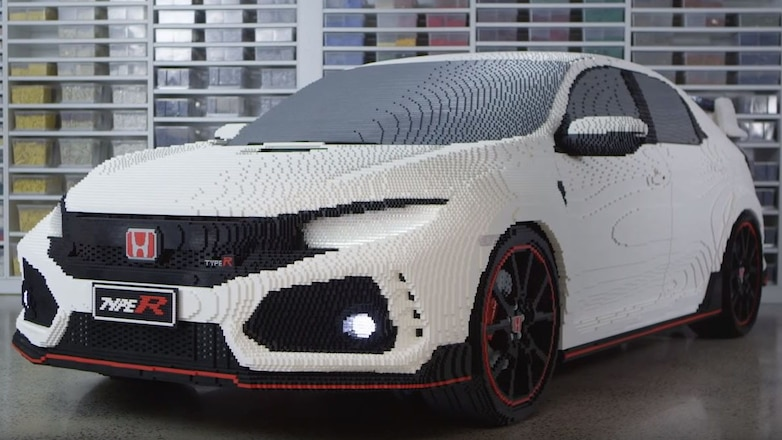 Lego Honda Civic Type R front three quarters