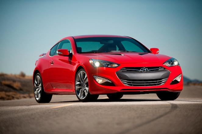 2016 Hyundai Genesis coupe front three quarter