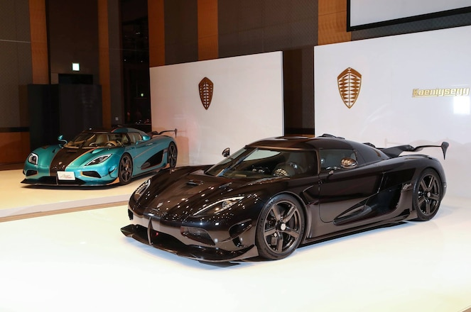 Koenigsegg Agera RSR pair front three quarters