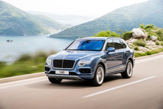 2017 Bentley Bentayga Diesel front three quarter in motion 04