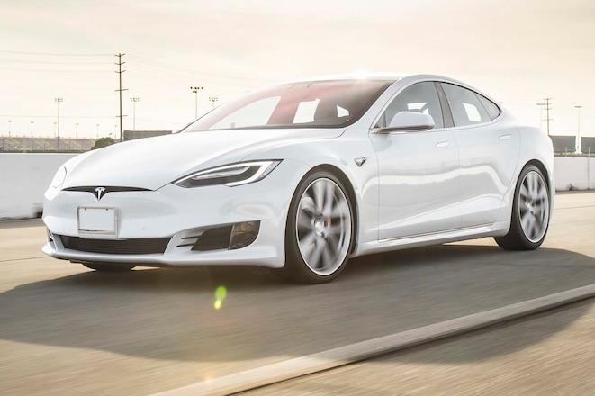 2017 Tesla Model S P100D front three quarter in motion 04