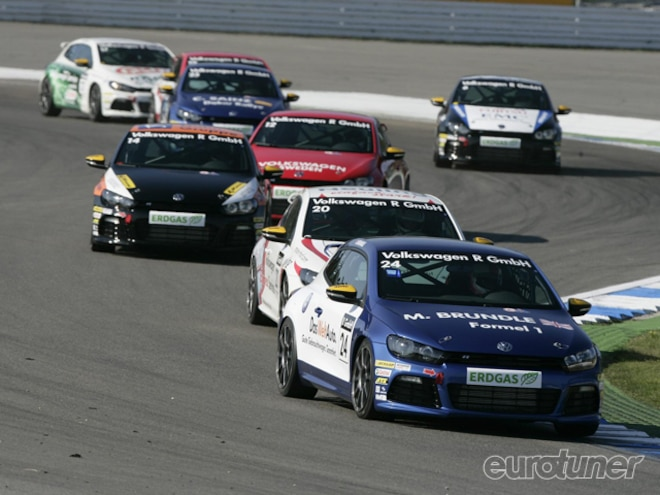 eurp_1008_four_f1_drivers_join_scirocco_r_cup_race