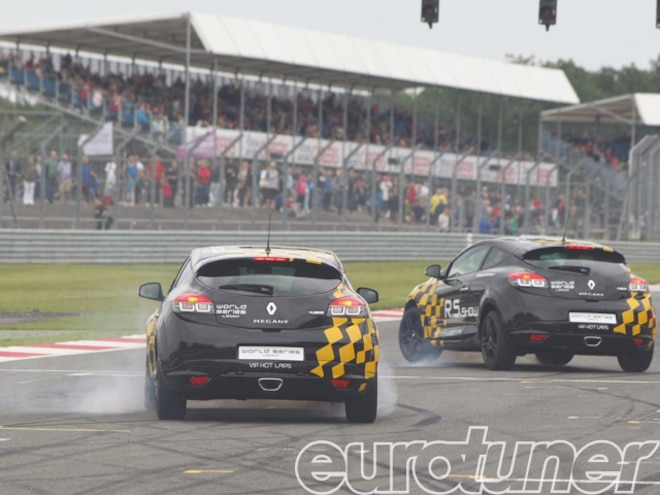 eurp_1108_silverstone_world_series_by_renault