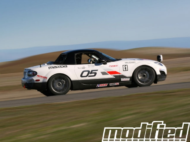 Mazda Dealers Conquer Thunderhill 25-Hour Race