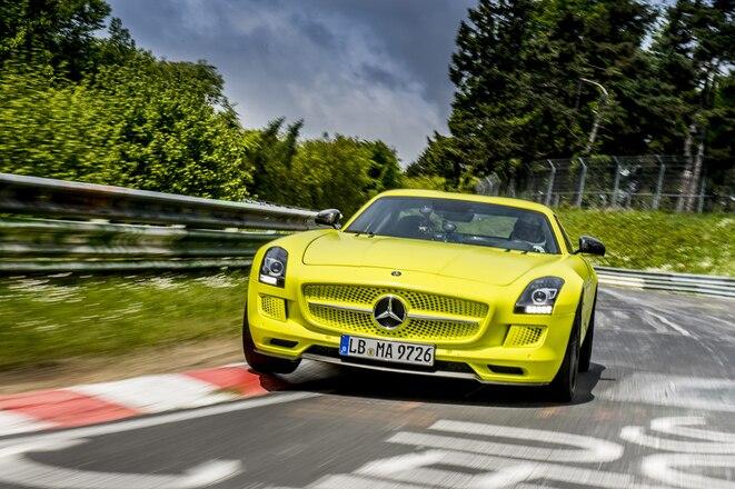 Mercedes Benz Sls Amg Coupe 3
