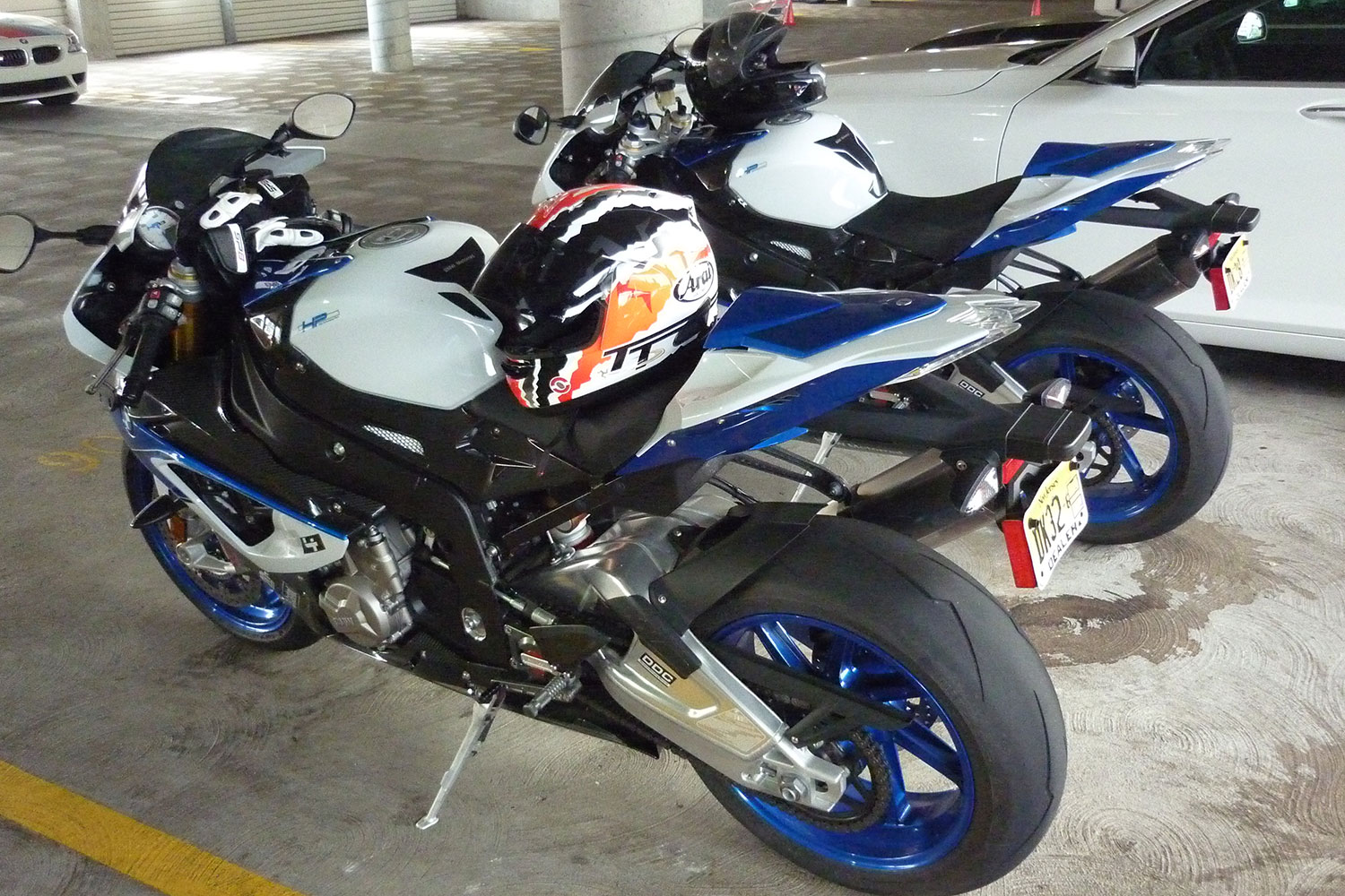 2013 BMW HP4 side view 07