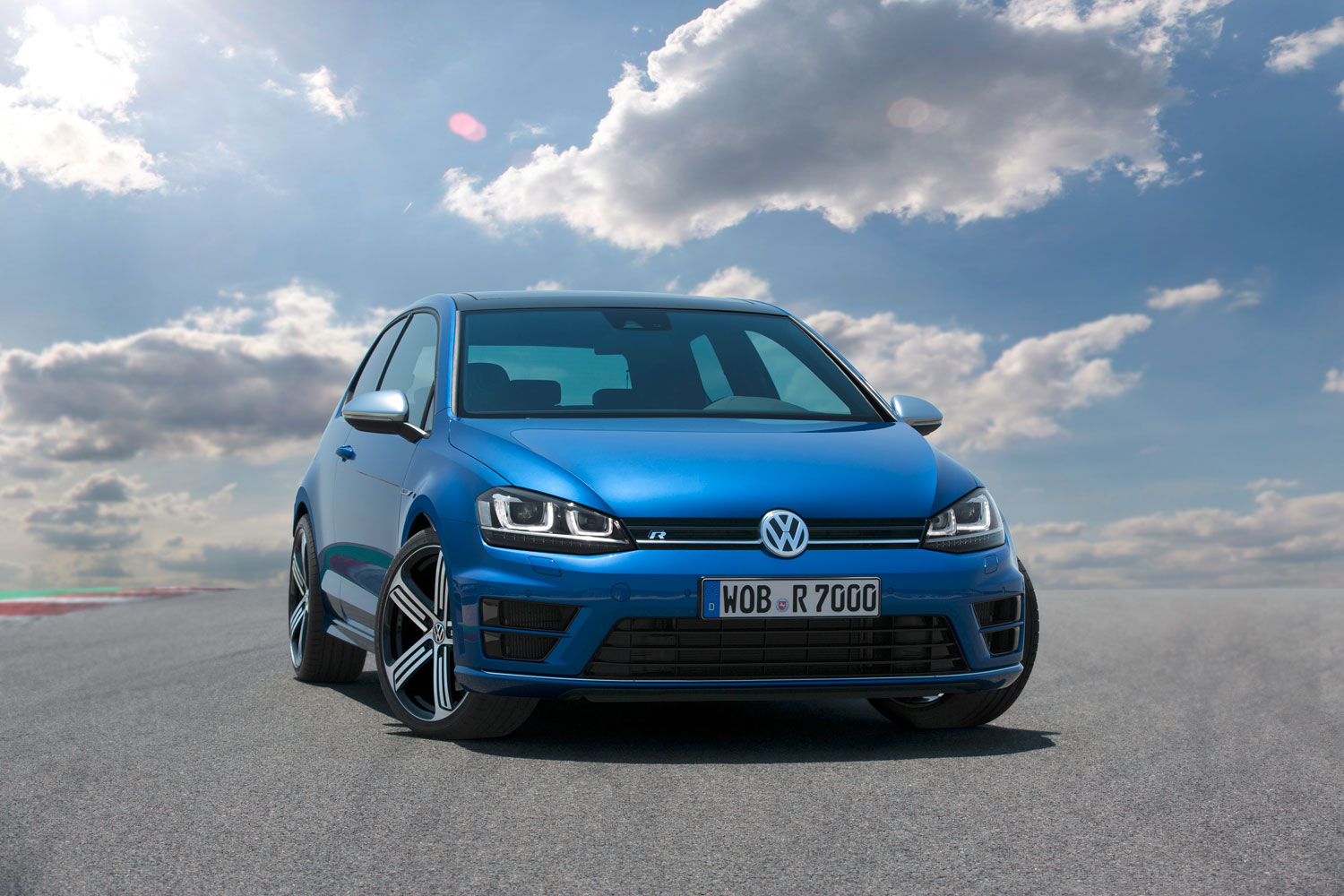 Volkswagen Golf R Features and Specs Revealed Photo & Image Gallery