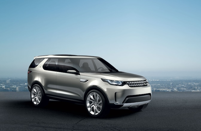 Land Rover Discovery Concept Passenger Side Front View 01