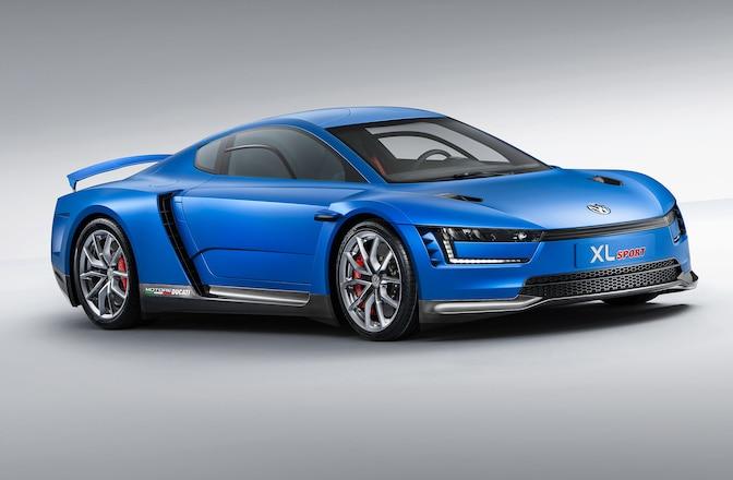 Volkswagen XL Sport Concept Passenger Side Front View 01