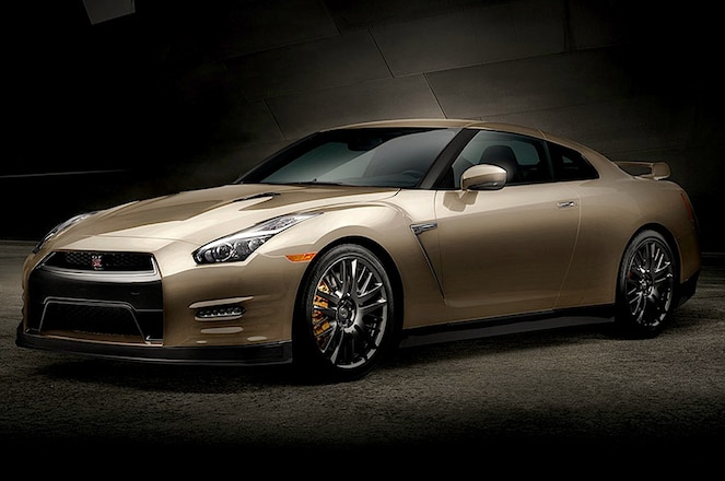 2016 Nissan GT R Gold Edition Front Three Quarters