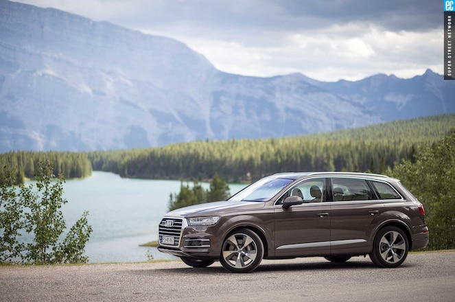 2015 Audi Q7 Driver Side View