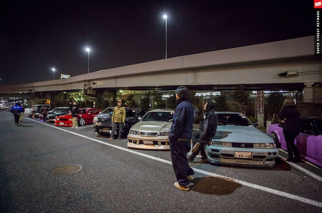 tokyo underground racers with their car