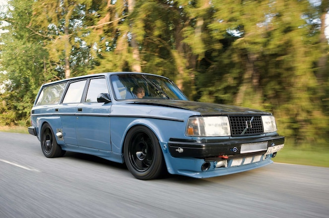 1981-Volvo-245-DL-M3-Style-Side-Skirts-01