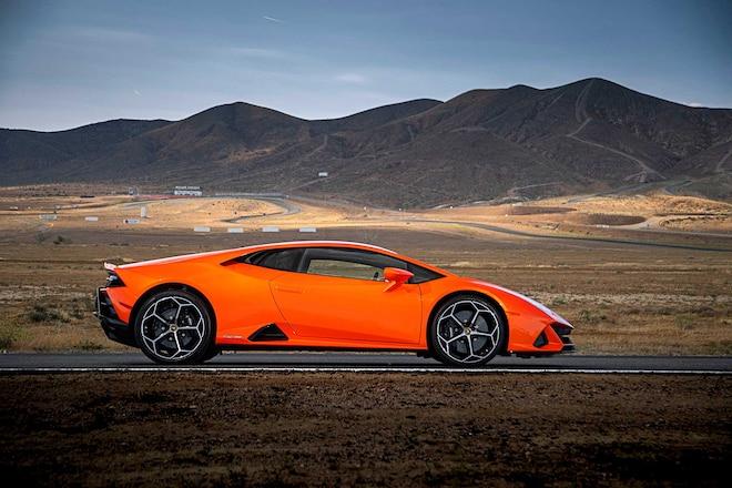 2020-Lamborghini-Huracan-Evo-Passenger-Side-Profile