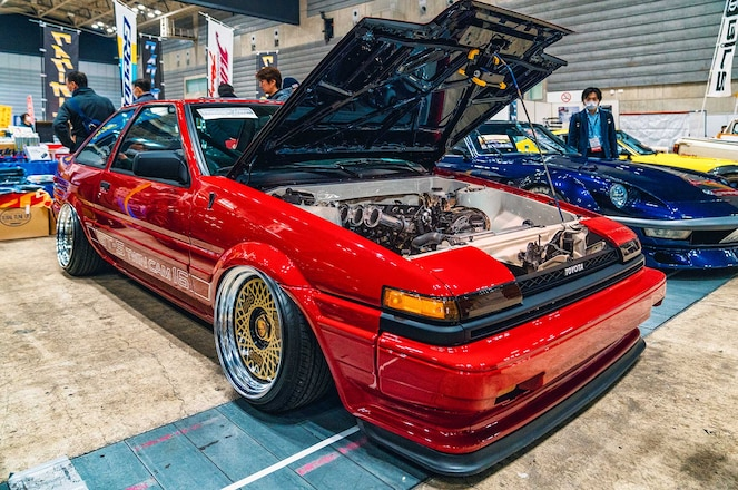 Fairlady Z, Corolla, Skyline & Others Flock to Japan's Largest Classic Car Show, Auction & Swap Meet
