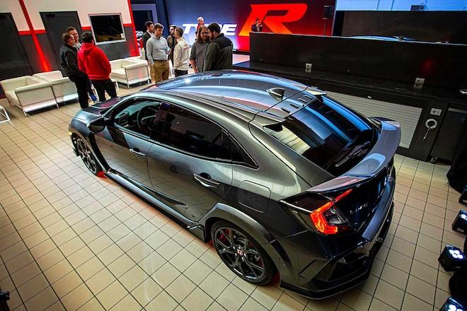 FK8-Civic-Type-R-Sport-Line-Spoiler-Sport-Line-CTR-01