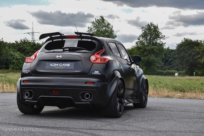 SVM-Juke-R700-Rear-Hatch-01