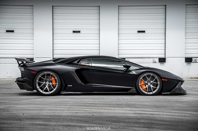 Fire-Breathing Aventador LP700-4 Is Proof That A V12 Lamborghini Is Pure Awesomeness