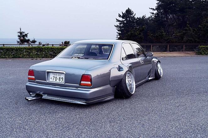 Top-5-VIP-Cars-Kaoru-Imanishi-1994-Cima-Limited-04