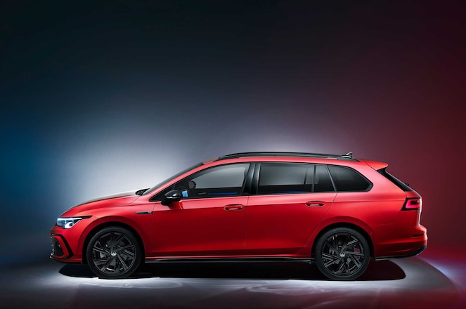 Volkswagen-Golf-MkVIII-Wagon-Variant-Side-Profile