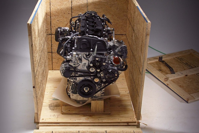 001-typeR-crate-engine-box