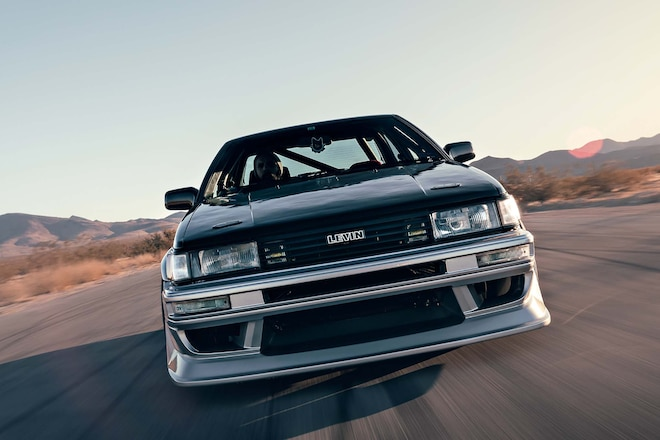 001-toyota-levin-rolling